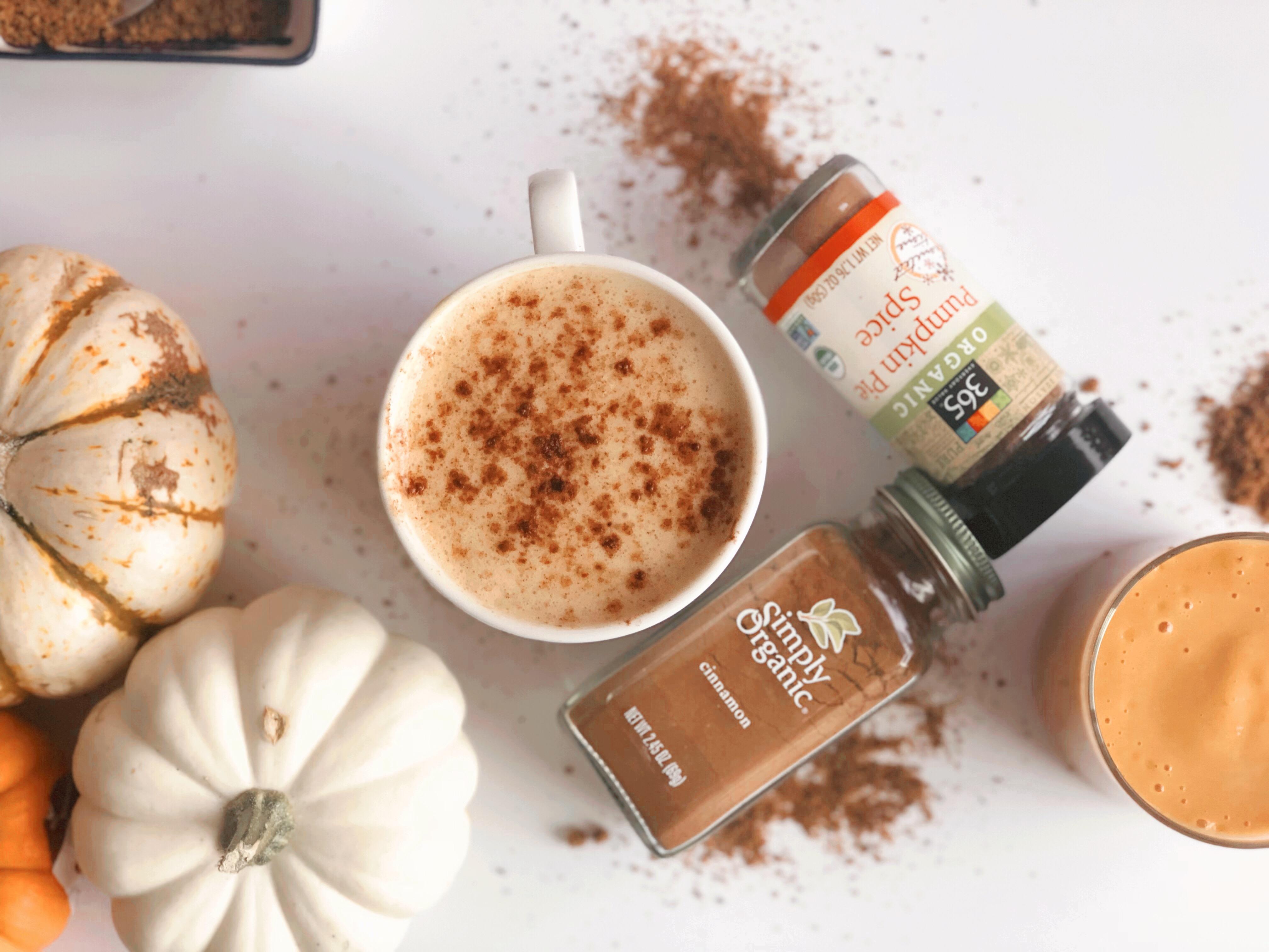 Your Beloved Pumpkin Spice Latte Just Got (a Little)Healthier foto