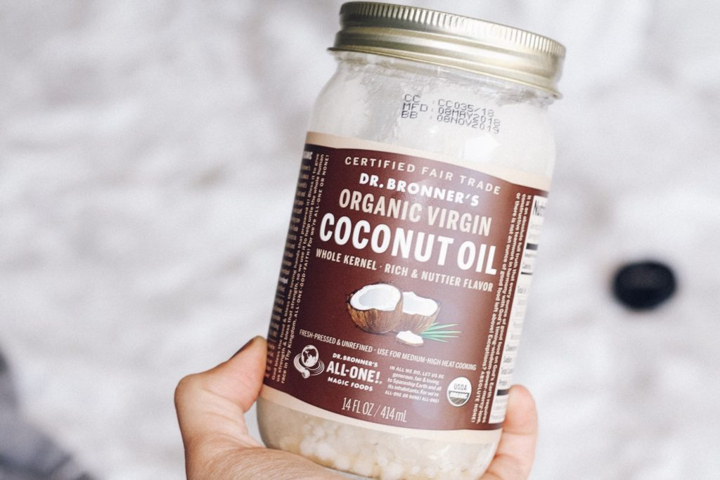 dani-on-the-loose-coconut-oil-hair-mask